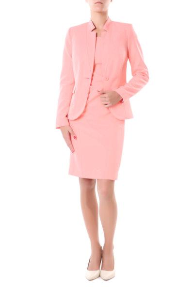 Костюм от късо сако и рокля с малко ръкавче